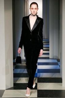 oscar-de-la-renta-fall-winter-2017-fw17-collection-46-velvet-sleek-pants-coat-bag